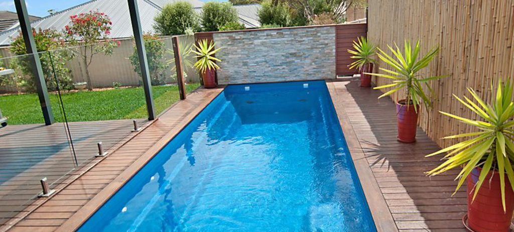 Fiberglass pools plunge pools lap pools swimming for Pictures of small inground pools